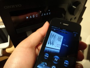 無料アプリONKYO REMOTE2からCR-N755をコントロールしてネットラジオ起動!パソコンもiPodもオフで良い、この開放感は最高。