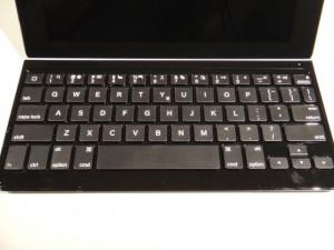 ロジクール ウルトラスリム キーボードカバー TK710キーボード面は打ちやすく