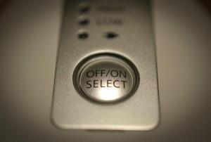 手探りでわかる、押しやすいボタン。