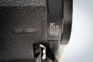 FDR-AX30 | ハンディカム | ソニー