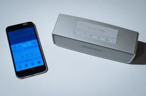 iPhone6と接続されたBose SoundLink Mini Bluetooth speaker 2