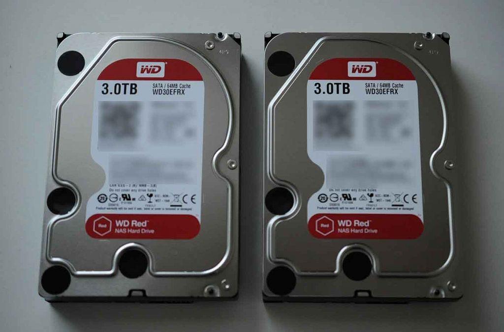 今回調達したWD HDD 内蔵ハードディスク 3.5インチ 3TB Red WD30EFRXを準備します。
