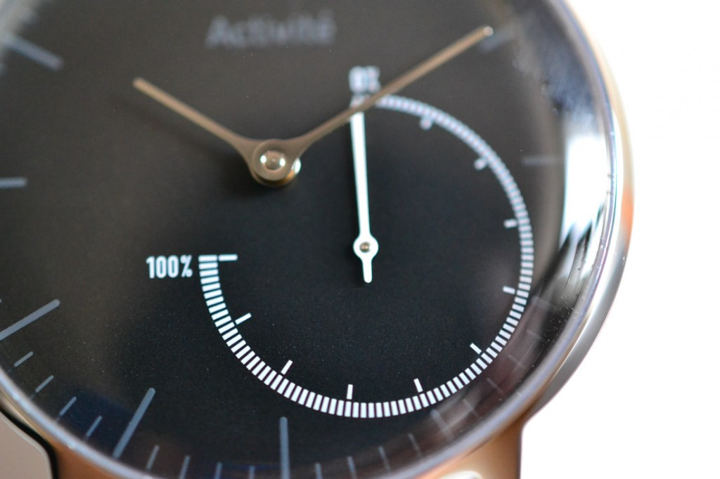 Withings Activite Steel Black HWA01のサブダイヤル。その日の総歩数を一瞬で把握できる。これは最高。