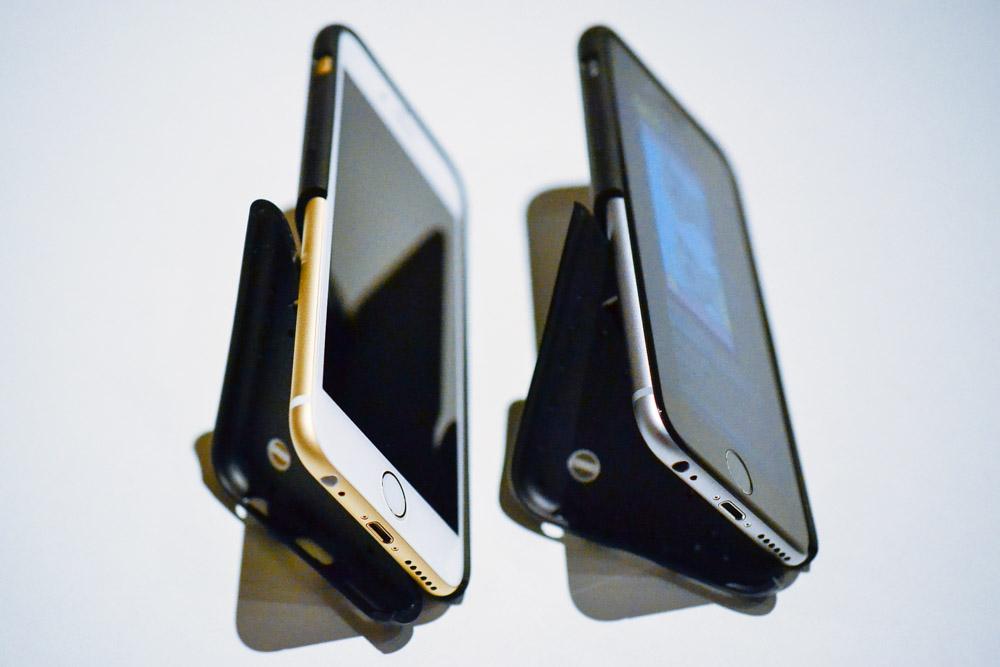 SoftBank SELECTION iPhone 6/6s EQUAL stand最大の特徴は、スタンド付きケースということ。